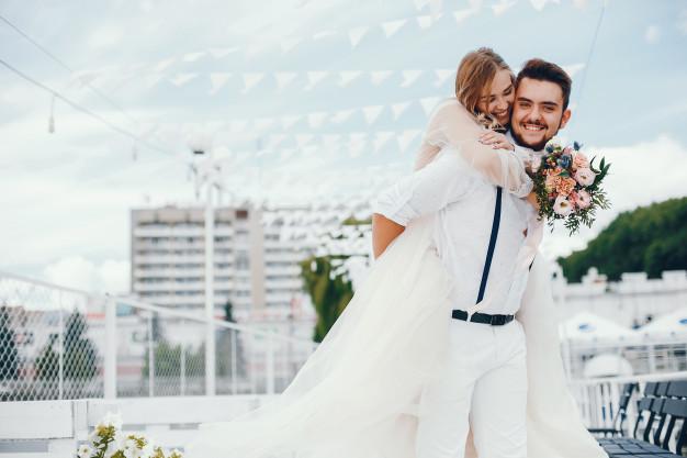 Under et halvt år til jeres bryllup? Få styr på de sidste ting med hjælp her!
